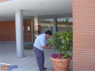 Empresa de servicios de limpieza de comunidades de vecinos